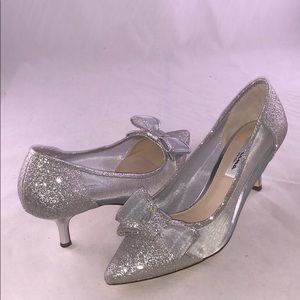 Nina 8.5 M Heel Pump, White Diamond Glitter Fabric